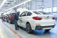 Hat sich aufgrund zu hoher Östrogenwerte in den X4 verknallt: liebeskranker BMW-Mitarbeiter. Bild: ampnet